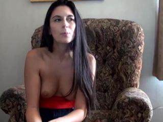 Interview with a gorgeous naked mom