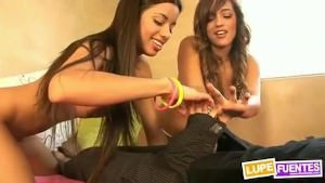 Teen Latinas
