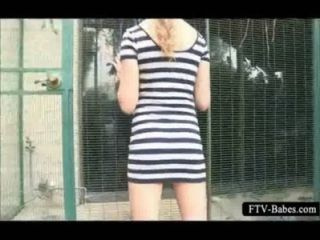 Outgoing blondie rubbing her quim at the