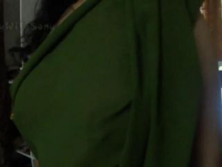 Indian wife Sonny exposing in saree