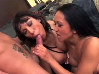 Kitty Langdon and Ava Devine sharing a pecker