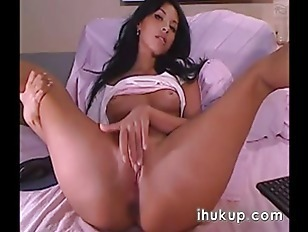 Raven Haired Beauty On Sex Cam Chat