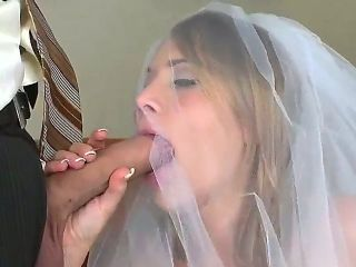 Blonde Alanah Rae feels good with sturdy schlong in her mouth