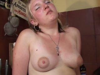 Kinky housewife gets fucked and licked on the kitchen table