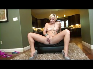 YOUNG PAWG NORA DAMN TOPDOG