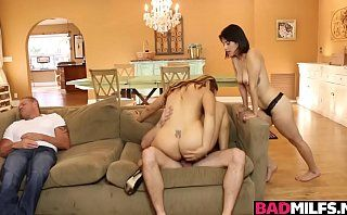 Kyle fucking Ms Raquel and Penelope Reed