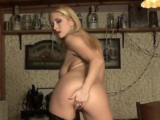 Its time for a hard masturbation and Carina Shay is here for that. This pretty blonde sure loves to strip on camera and show all her secret skills. An