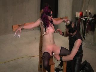 Babe Electro Play And Bound Blowjob