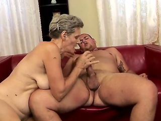 Horny hairy granny Aliz gets her muff licked and pounded hard returning the favor with a steamy bj
